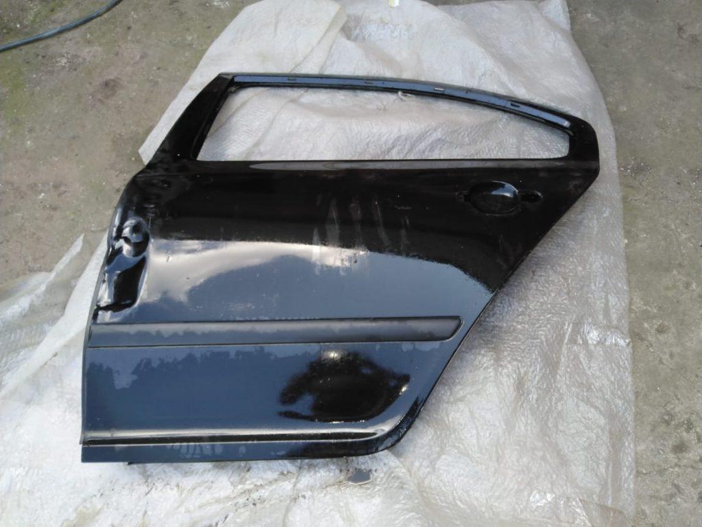Дверь задняя левая Skoda Octavia A5 1Z5833051 черная