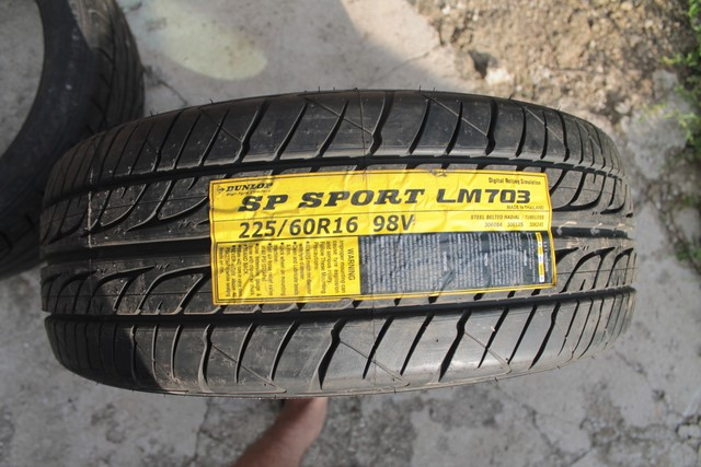 225 60 R16 98V Dunlop SP Sport LM703 480 A A Thailand 3411