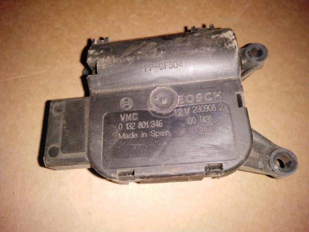 Привод заслонки отопителя Bosch 0132801346 Spain LDV Maxus